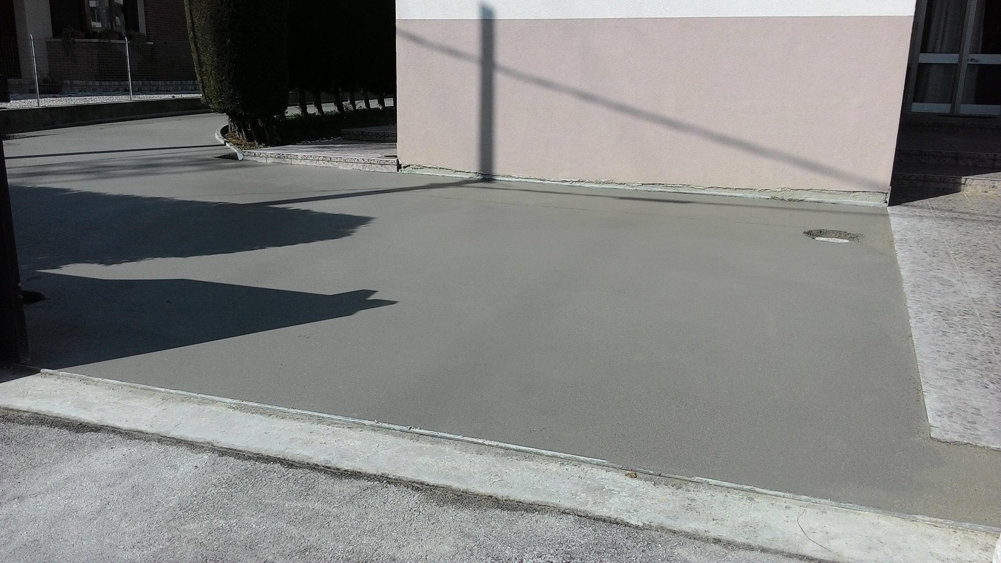 Guaina prima di posa su massetto pavimento esterno - Stuccare fughe pavimento esterno ...